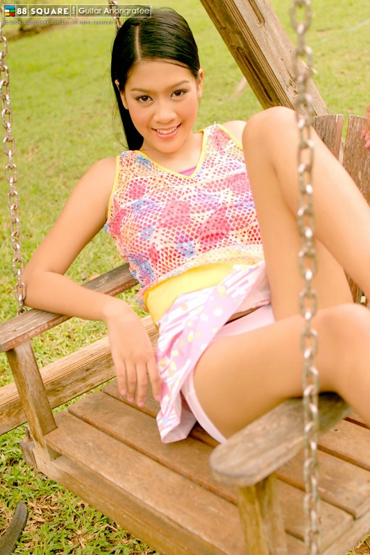 88Square Model Guitar Anongratee - The Hottest Asian Babes ...